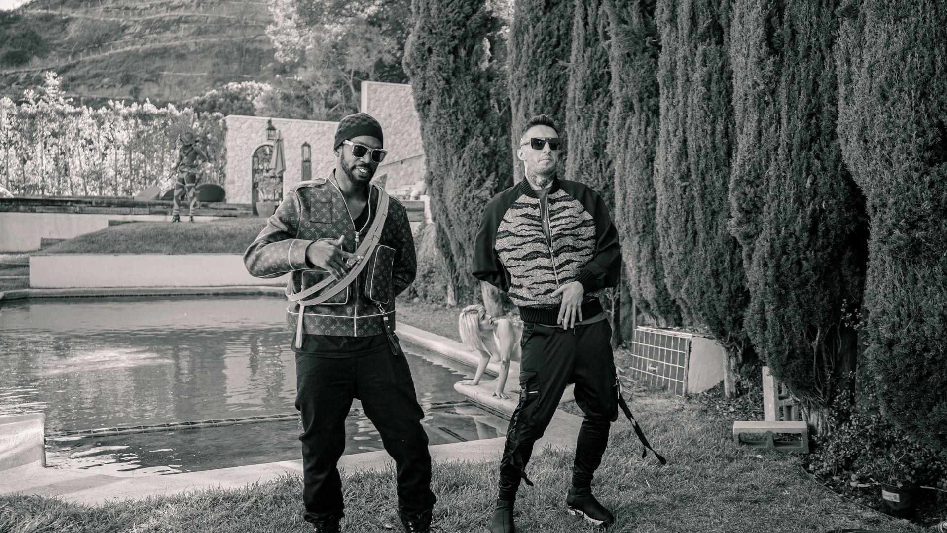 Alek Sander по време на снимките с Juicy J (вляво)