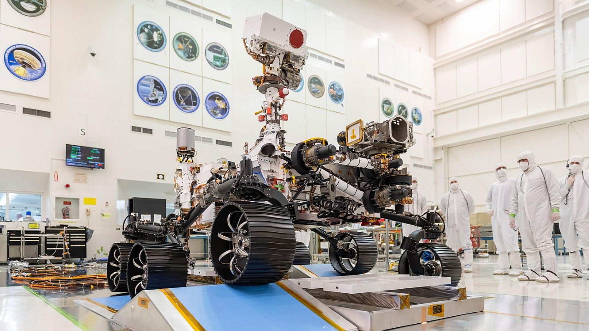 НАСА изпраща новия си марсоход към Червената планета