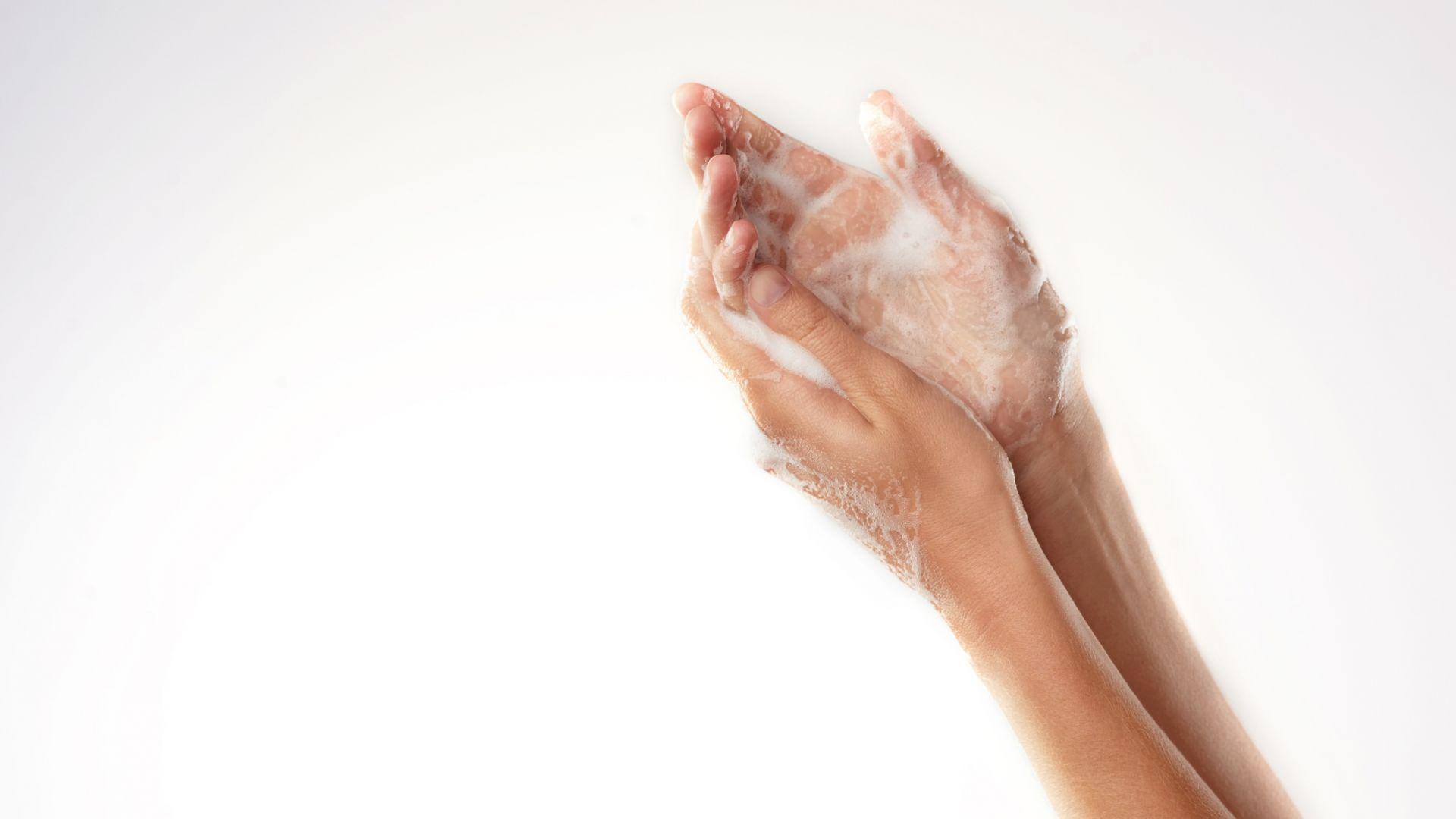 Как да възстановим ръцете си след интензивна дезинфекция? *