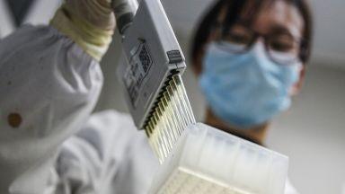 Електронни гривни следят ученици за Covid-19 в Китай