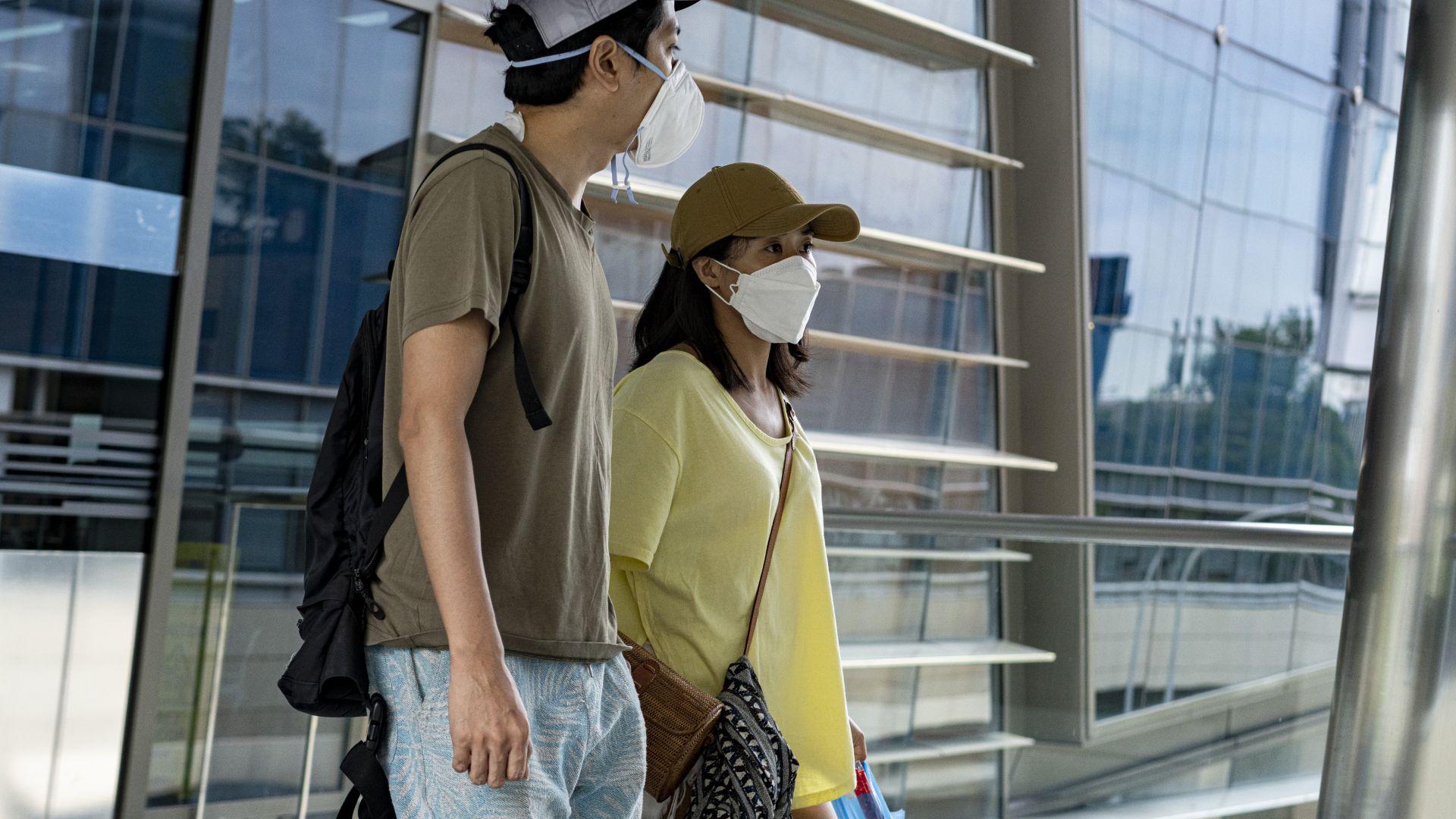Сингапурската икономика се свива по-малко от очакваното, започва да се възстановява