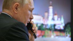 Путин дава пари от бюджета на малките и средни предприятия