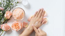 5 начина да се погрижим за кожата на ръцете