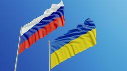 Украйна обвини генерал в шпионаж за Русия, планирал атентати срещу $200 000 и паспорт
