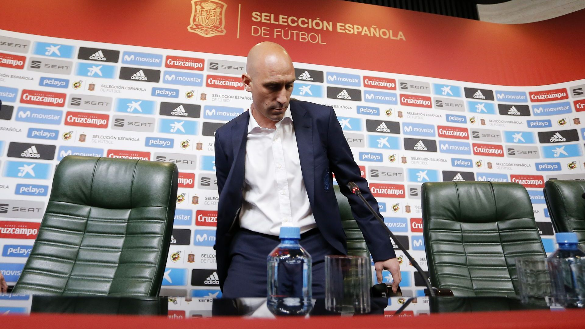 Нов скандал в Испания, шефът на футбола фалшифицирал документи