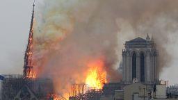 """Режисьорът Жан-Жак Ано търси любителски видеозапис на пожара в """"Нотр Дам"""""""