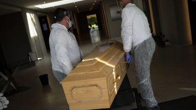 Мощна полицейска акция в погребални агенции в Пловдив
