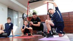 Спорт вкъщи: Вратарят Лиъм Реди и неговият семеен отбор (галерия)