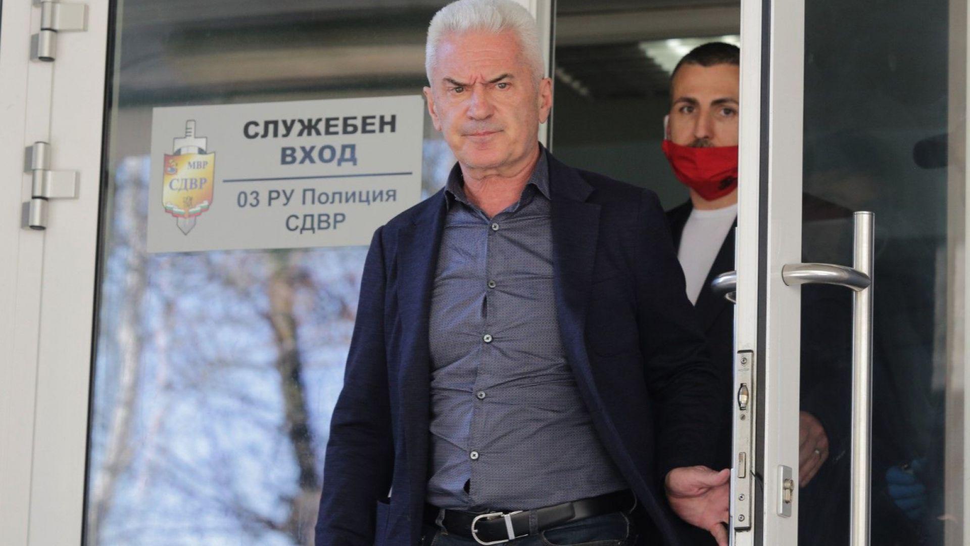 """""""Атака"""" поиска Рашков да задържи Бойко Борисов за 24 часа в килията, в която е лежал Сидеров"""