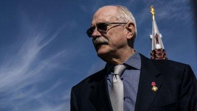 """Путин връчва орден """"Герой на труда"""" на Никита Михалков"""