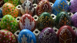 Великденски яйца с български шевици