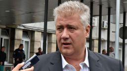 """Шефът на """"Пирогов"""": Има пик на заразени млади хора след отварянето на дискотеки и фитнеси"""