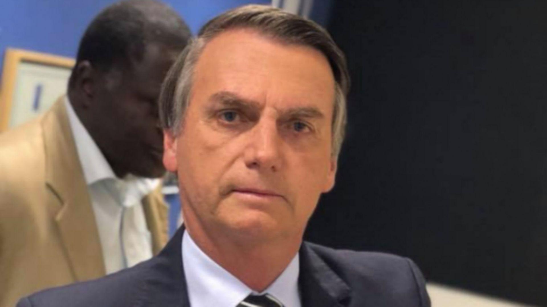 Президентът на Бразилия Жаир Болсонаро освободи от длъжност здравния министър