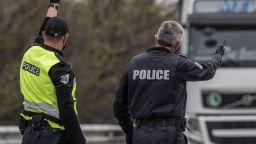"""Шофьор на БМВ се заби в камион на АМ """"Тракия"""", дрегерът отчете 3,43 промила"""