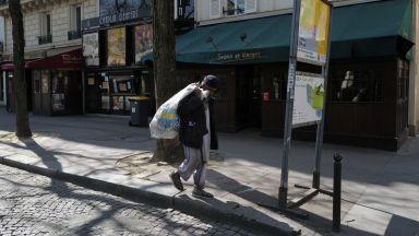 В знак на протест в Париж палят кофи в бедните квартали