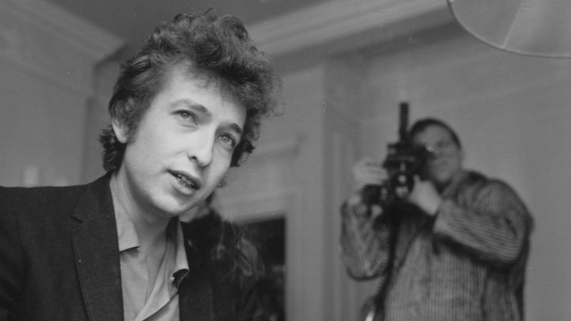 Боб Дилън написал един от хитовете си за Барбра Стрейзанд
