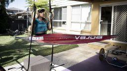 Спорт вкъщи: Олимпиада в двора със златното момиче (Снимки)