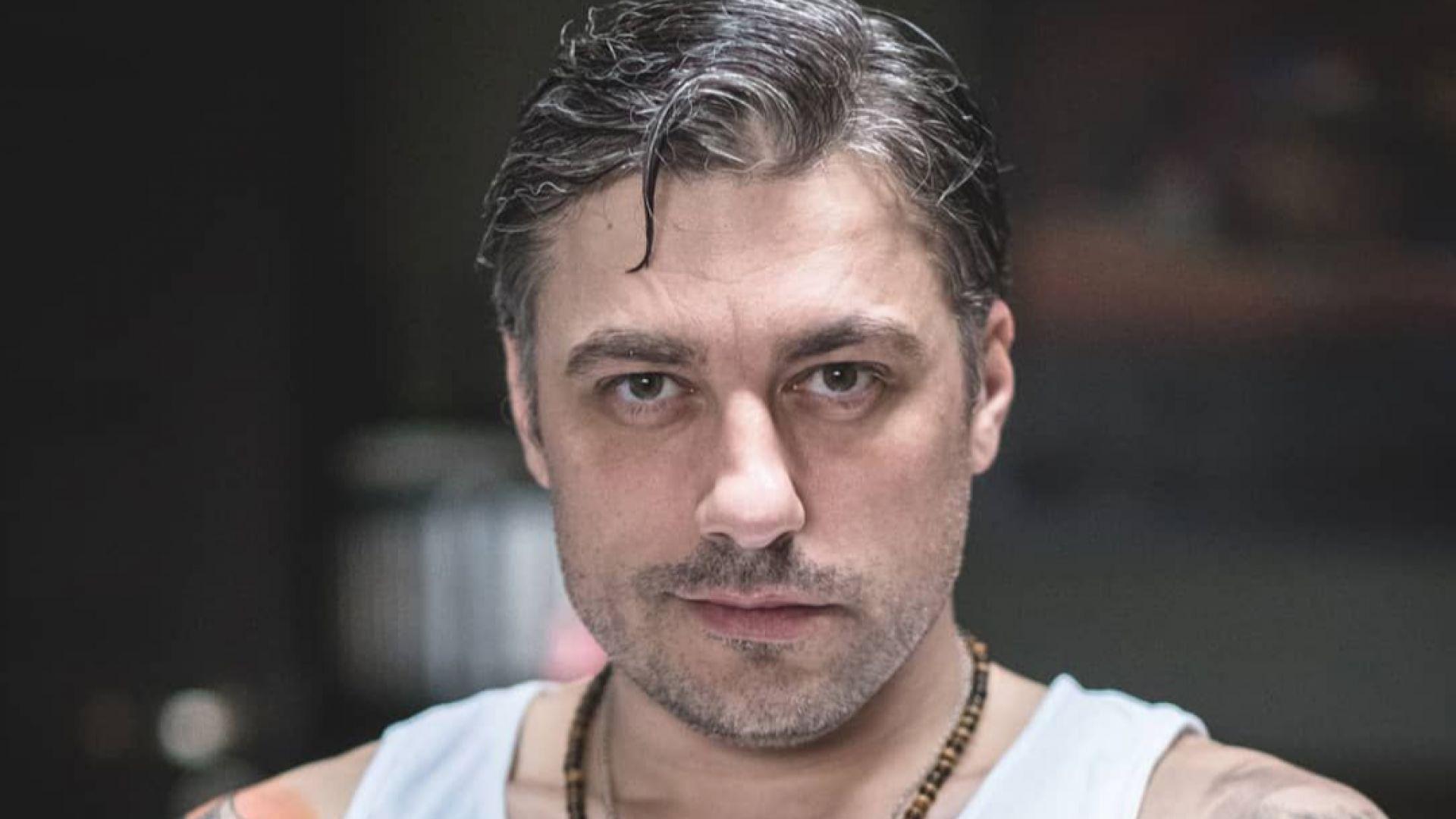 Владо Карамазов изпита народната любов и получи поп арт в стил кич