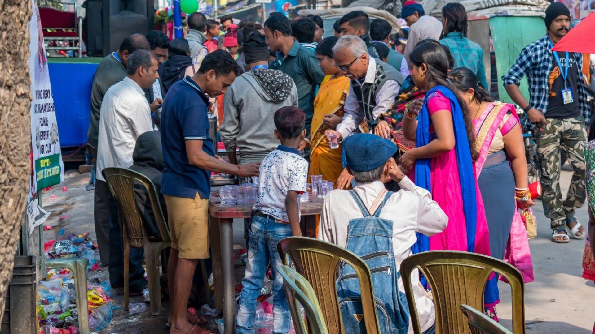 Невиждан в близката история срив на паричните преводи поразява най-бедните
