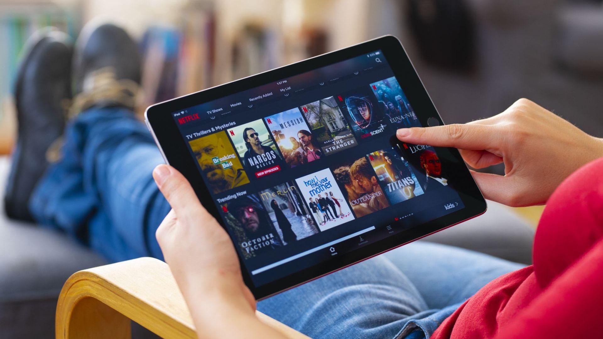 Сериалите, които да гледаме по Netflix