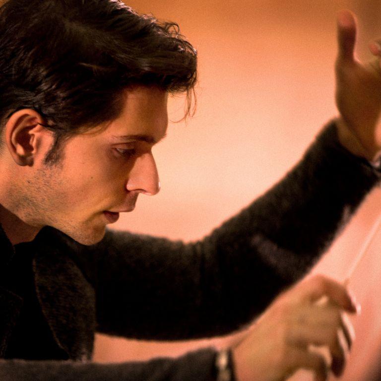 Изповедта на Маестро Апостолов: Музиката е благословено проклятие, но коства връзки и приятелства