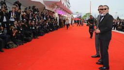 Без публика до червения килим на кинофестивала във Венеция
