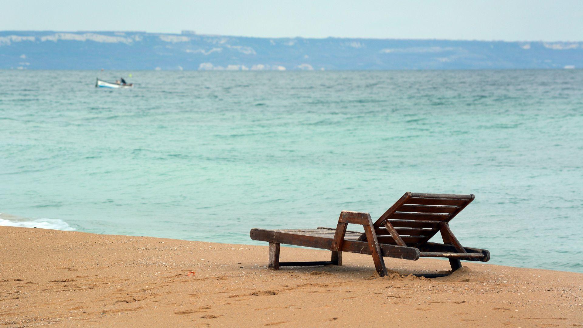 Проф. Стоян Маринов: Българските туристи не могат да спасят сезона