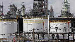 Историческо рухване на енергийните инвестиции: имат ли шанс проектите