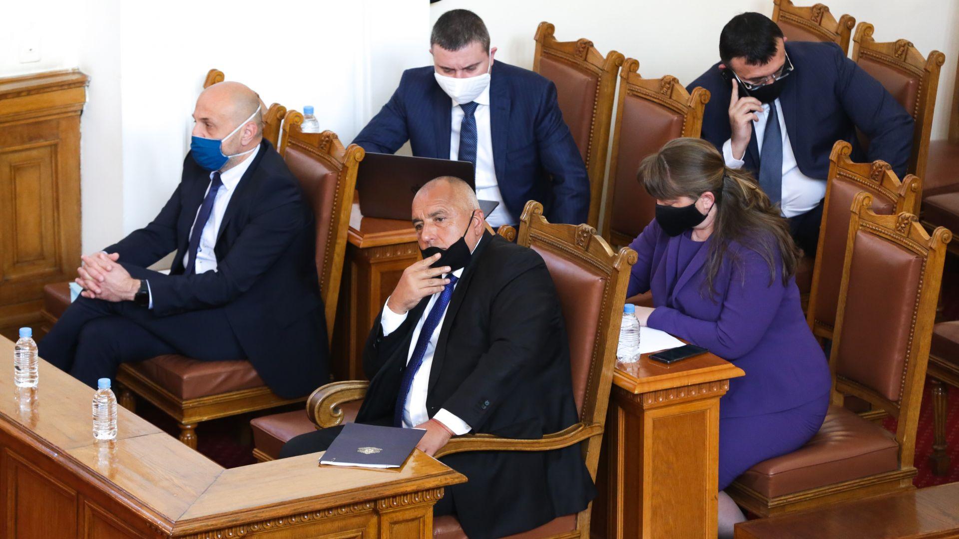 Кабинетът пренасочи еврофондове в подкрепа на бизнеса и заетостта