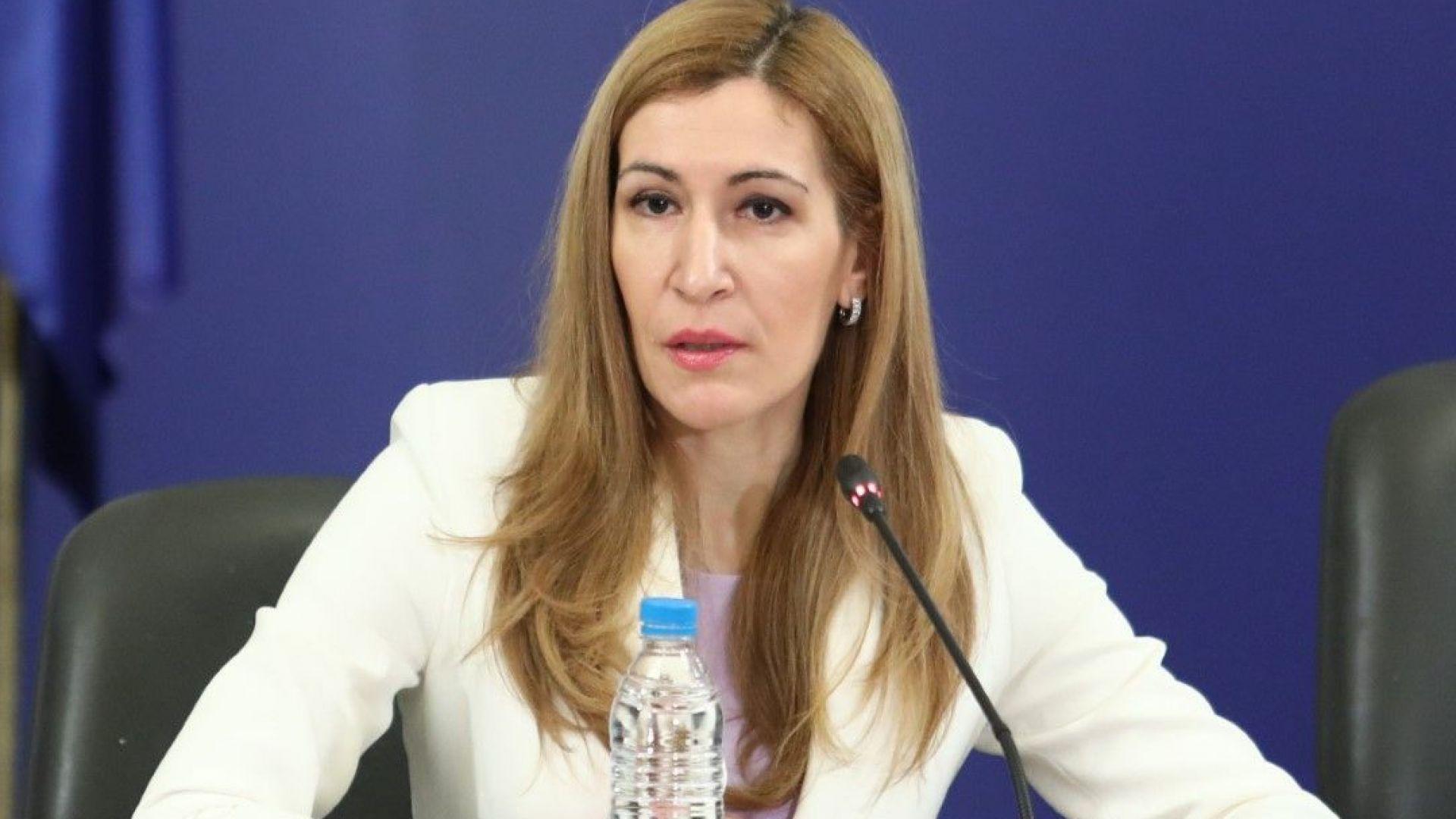 Ангелкова: Винаги вътрешният туризъм е бил номер едно в стратегията ни