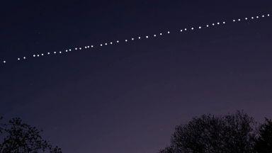 Мнозина видяха светещи обекти в небето навръх Гергьовден (видео)