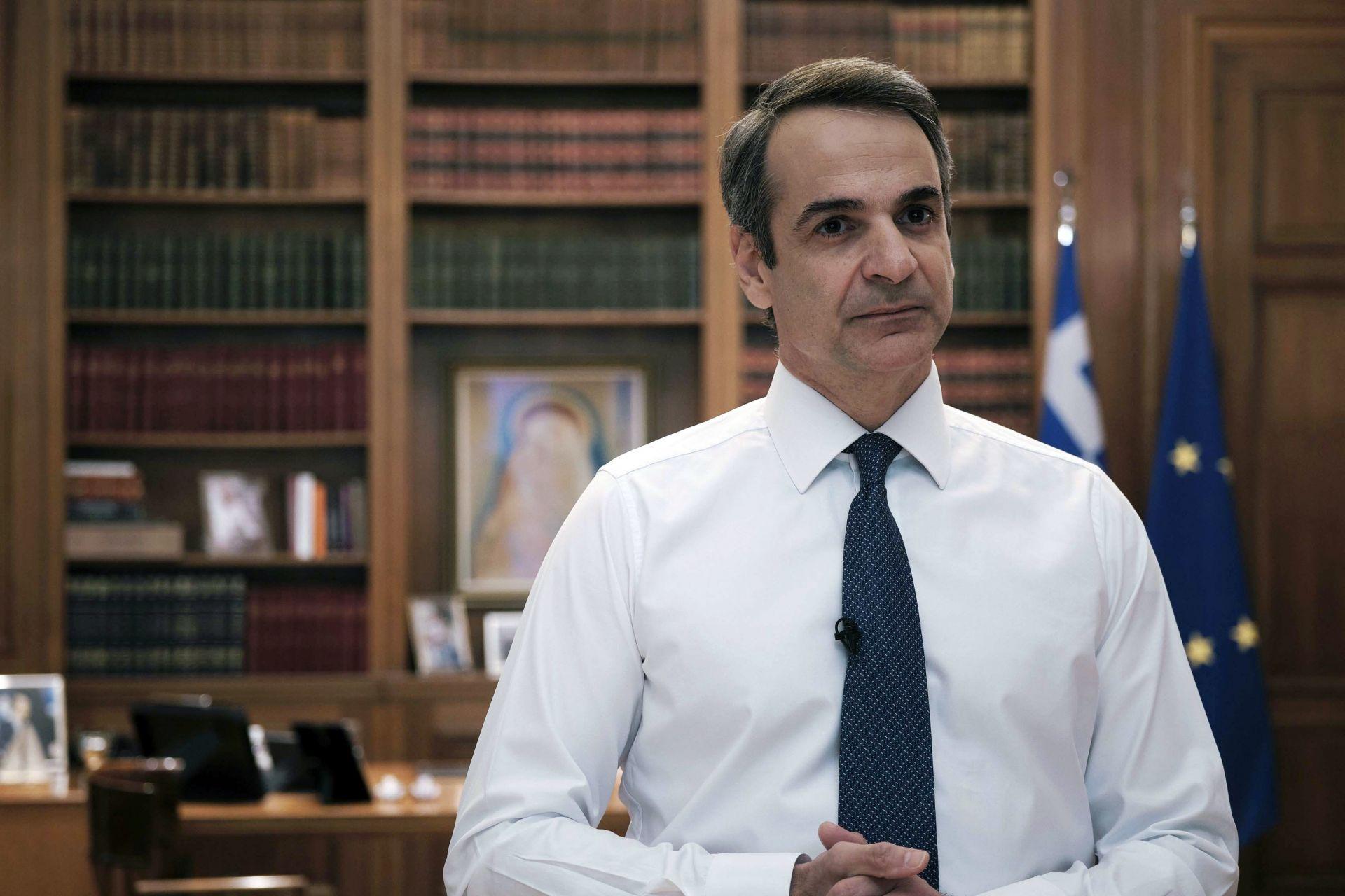 Гръцкият премиер Кириакос Мицотакис обяви график с хоризонт от два месеца, на основата на който ще бъдат постепенно облекчавани строгите ограничителни мерки