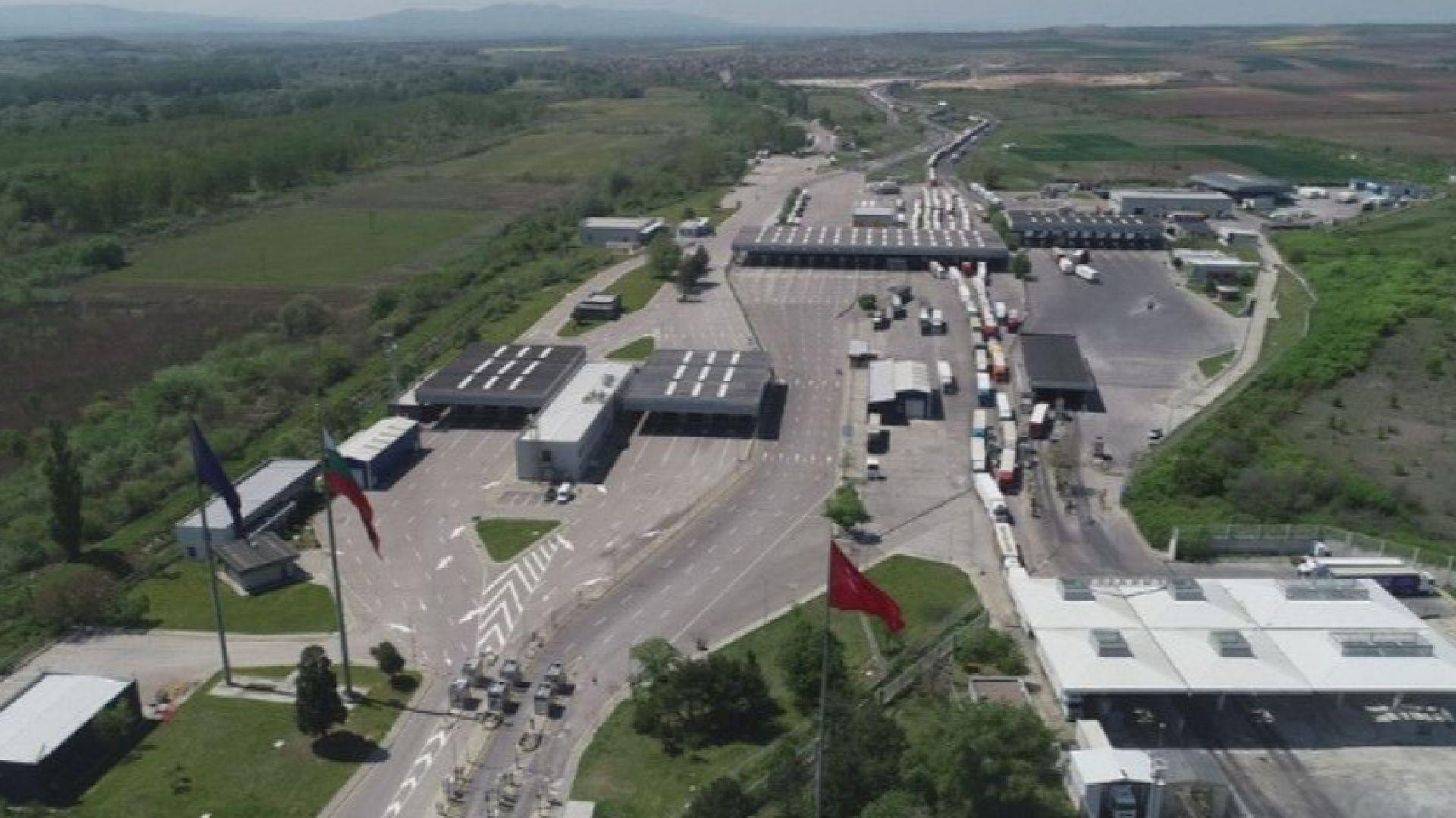 Турция разрешава международния превоз без карантина за шофьорите
