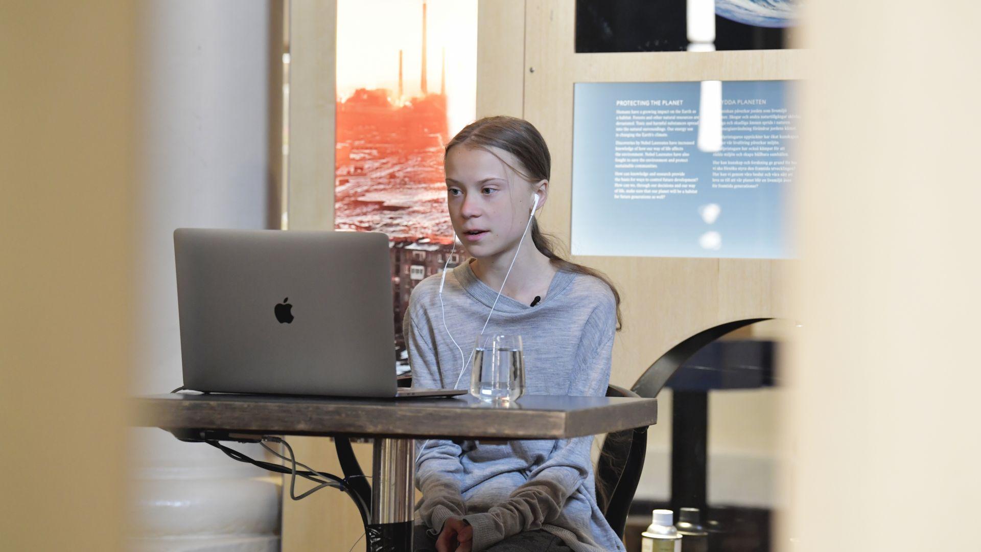 Грета Тунберг започва борба и срещу пандемията, дарява наградата си от 100 000 долара