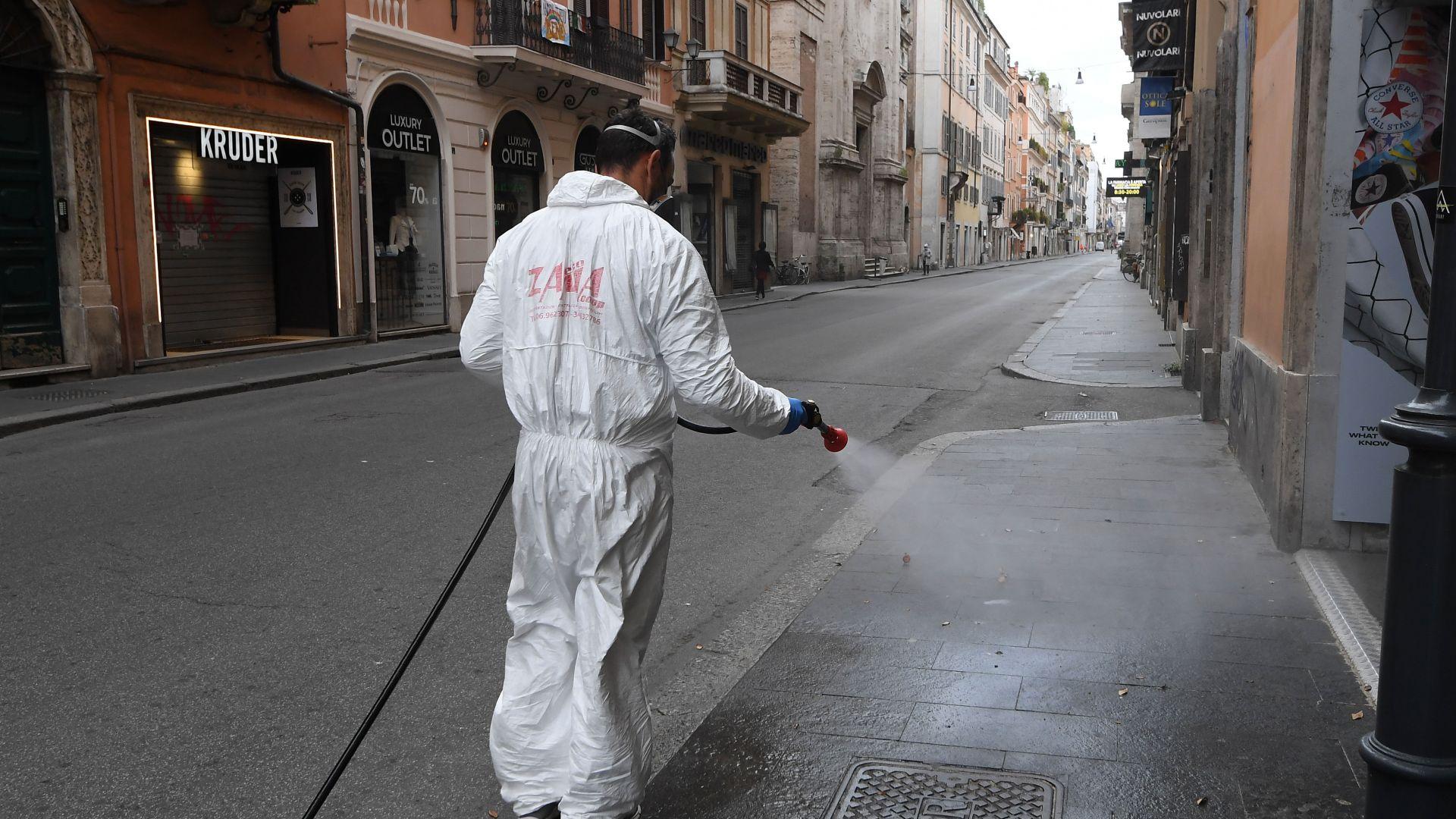 Полицейски час в Италия, с маски на закрито в Швейцария