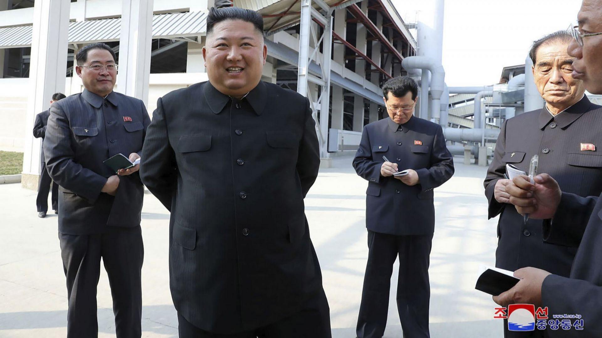 Ким Чен-ун към Тръмп и Мелания: Възстановявайте се бързо