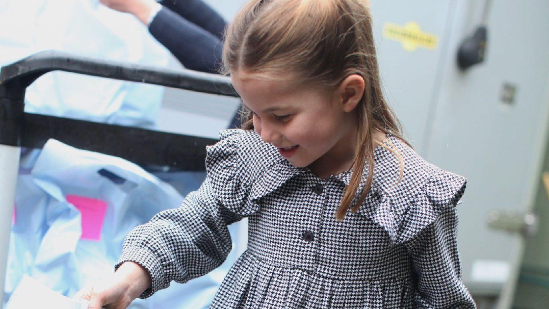 Кейт с фотосесия на Шарлот за 5-ия ѝ рожден ден (снимки)