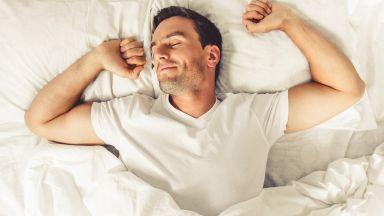 За кои знаменитости фантазират жените и мъжете в леглото?