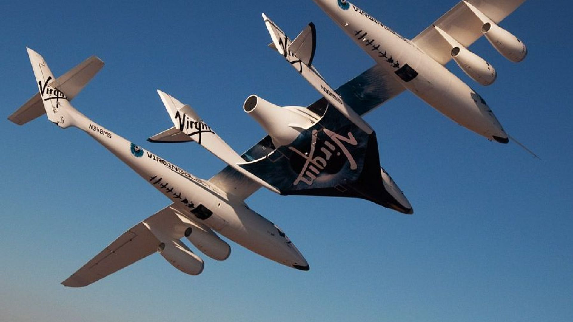 НАСА ще подготвя космически туристи за Virgin Galactic