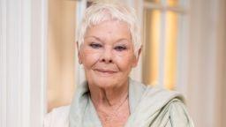 Джуди Денч се ваксинира срещу Covid-19