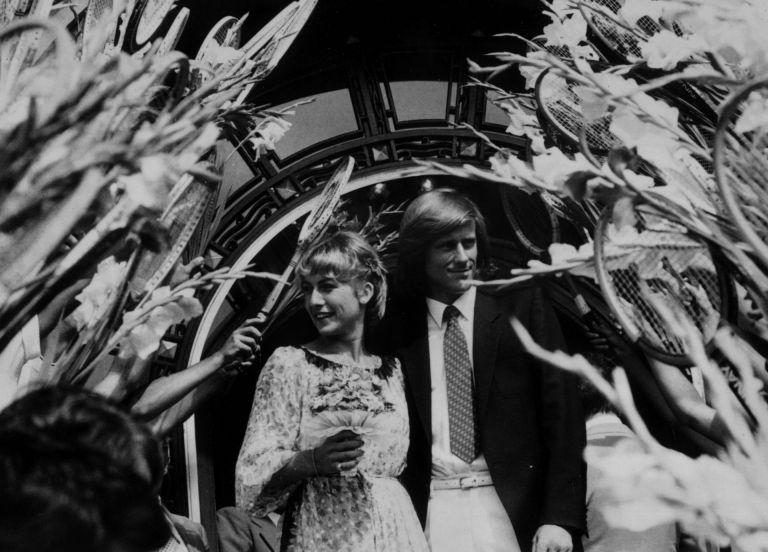 Юли 1980 г., Букурещ. Борг се жени за Мариана Симионеску, също тенисистка. Бракът не завършва добре и 4 години по-късно идва развод, а отношенията им са хладни