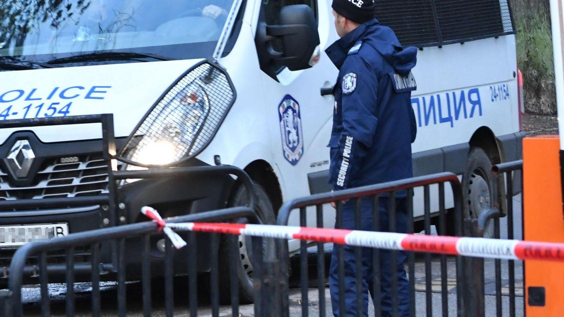 Гонка между полиция и нарокодилър завърши с катастрофа и арести в София