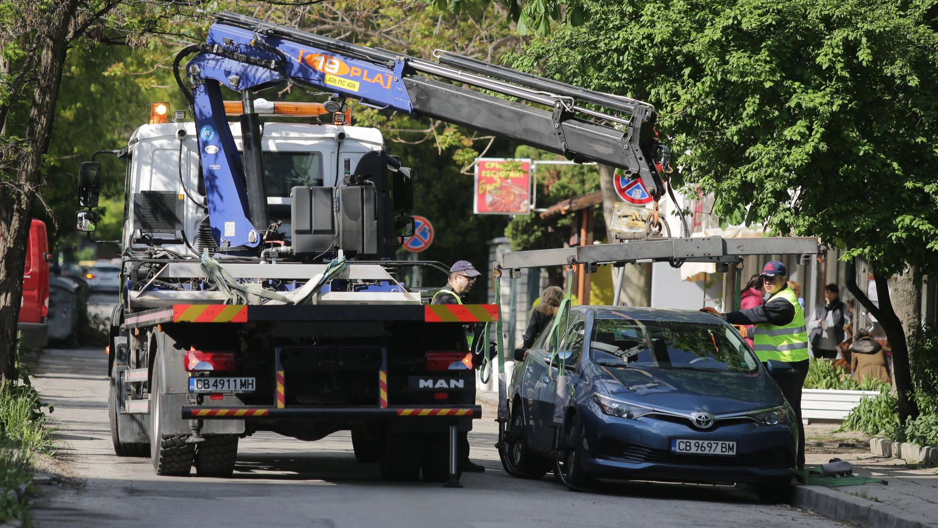 Стотици жалби върнали платеното паркиране в София