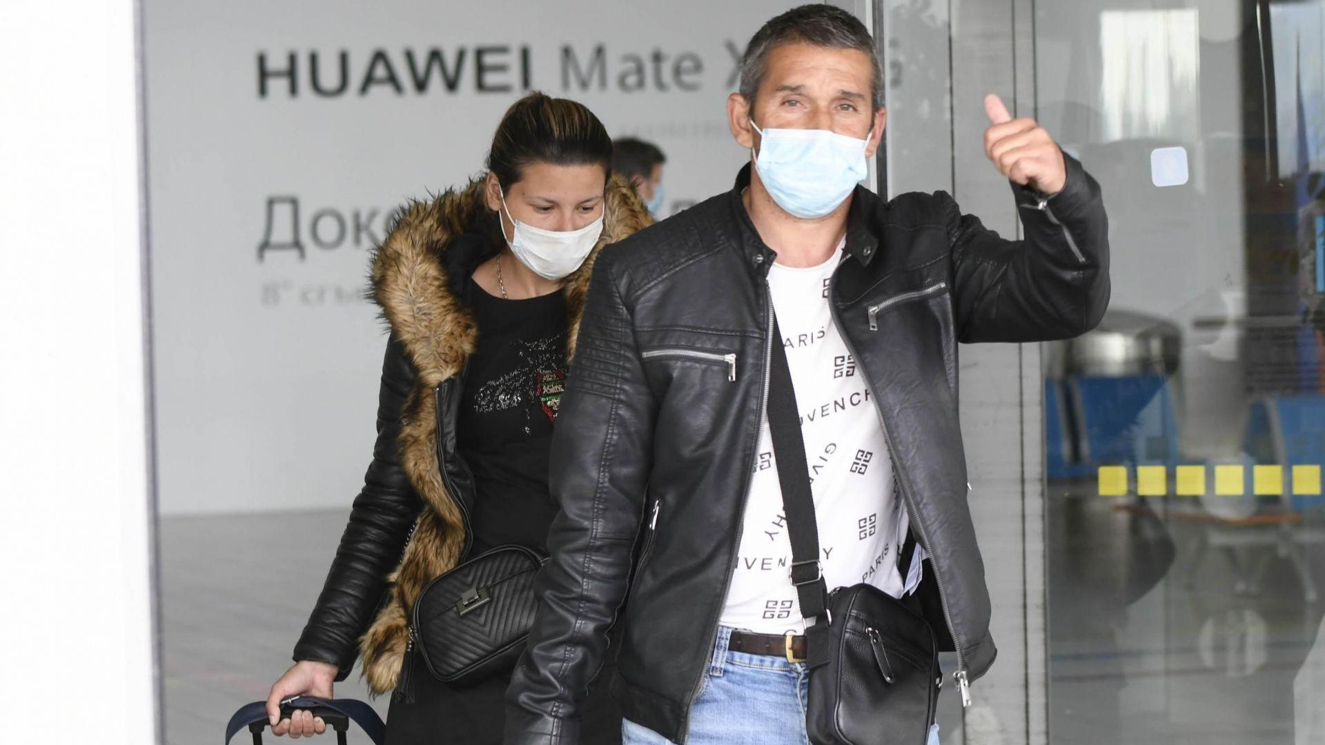 Адвокатът на върнатите от Франция български сезонни работници Кантен Декамп