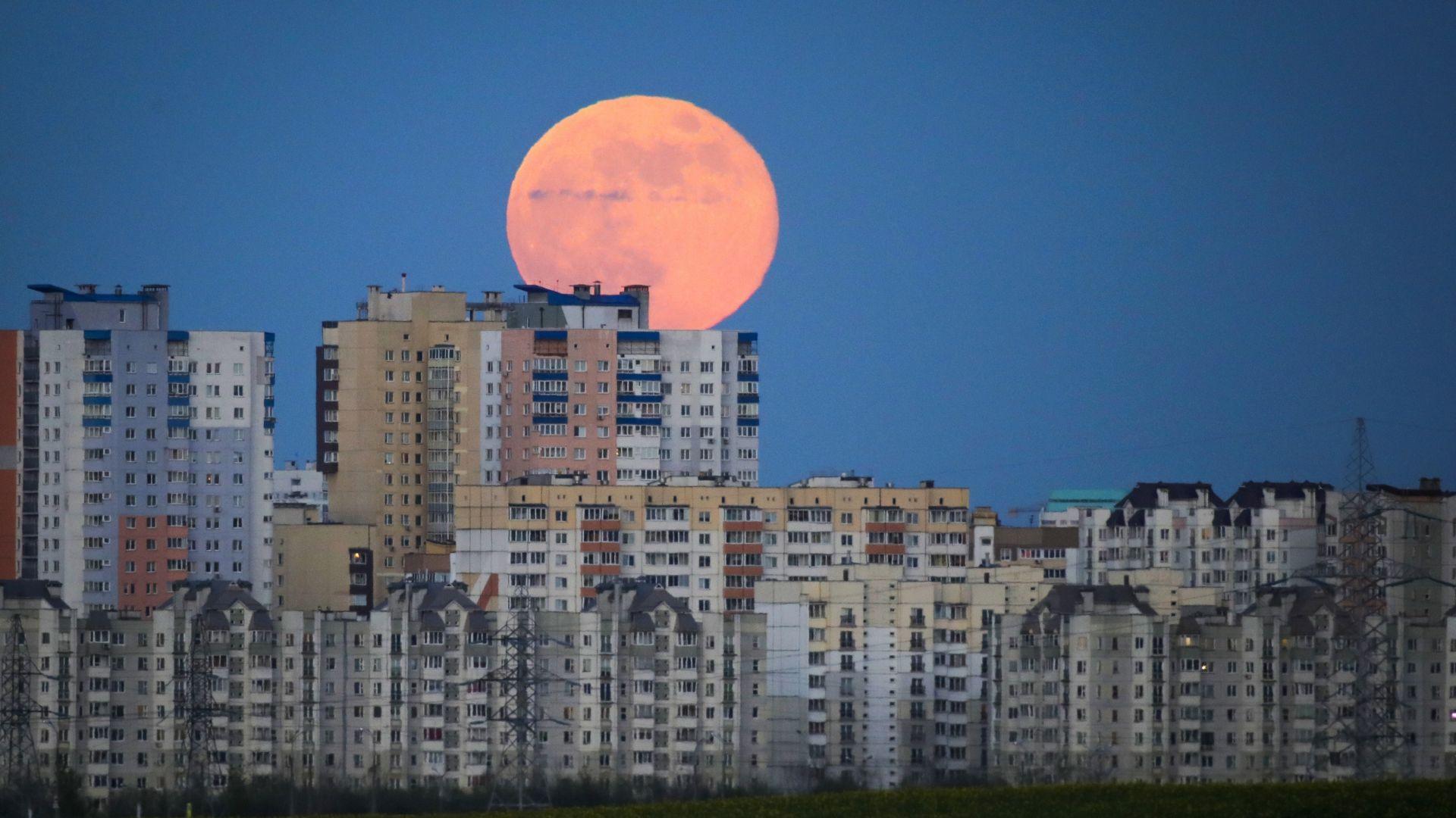 Руснаци с нова теория за появата на Луната