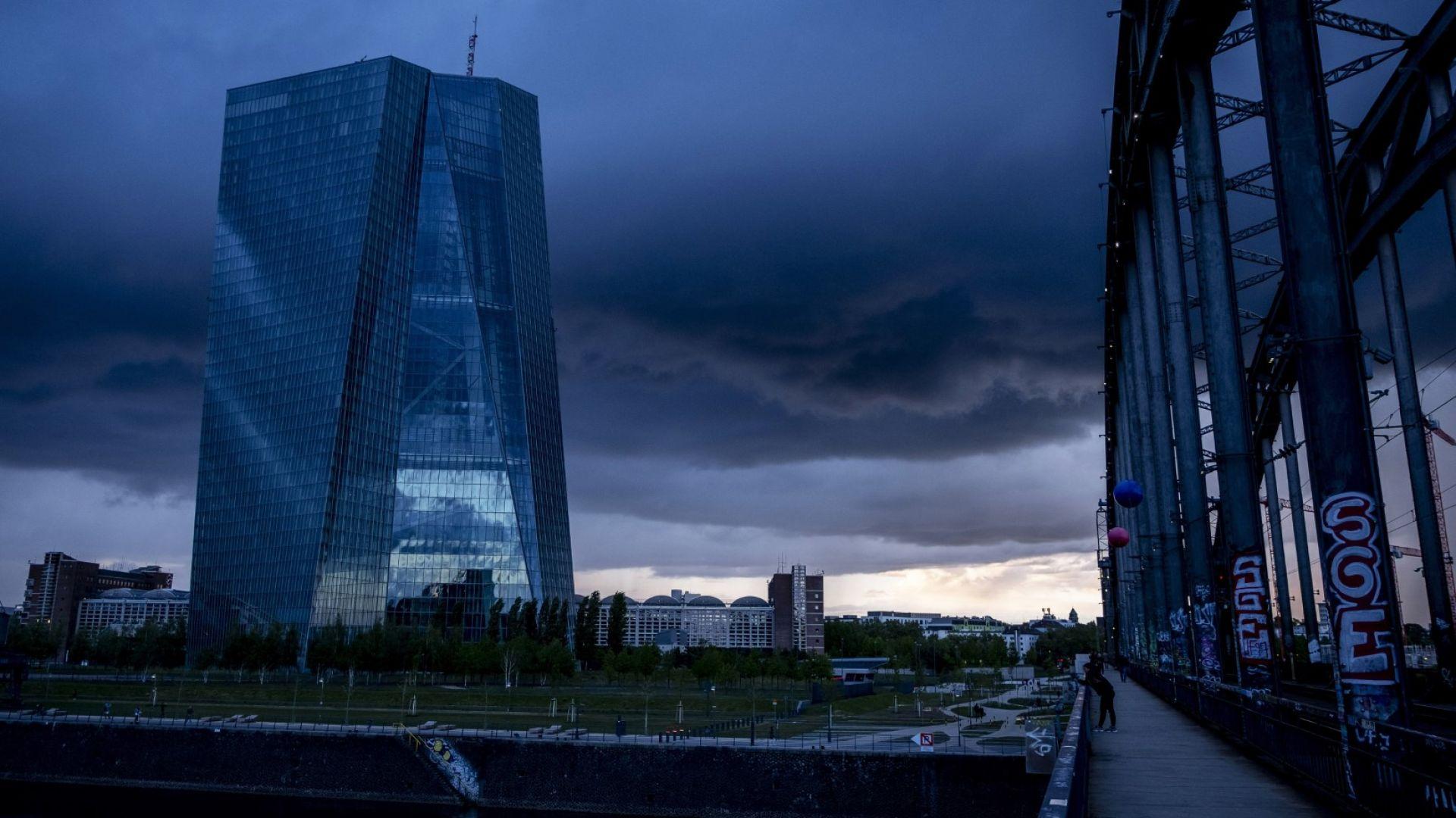"""ЕЦБ подготвя план за """"лоша банка"""" в условията на коронавирус"""