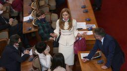 Министър Ангелкова: Работим за начало на летния сезон от 1 юли