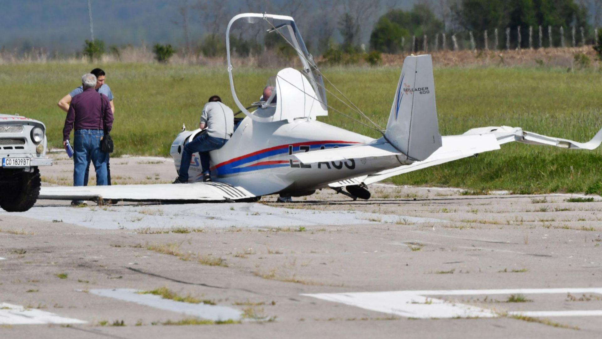 Бизнесменът Ивайло Пенчев оцеля при катастрофа със самолета си (снимки)