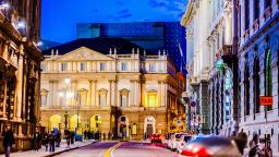 Миланската скала предлага виртуална разходка в сградата и архива си