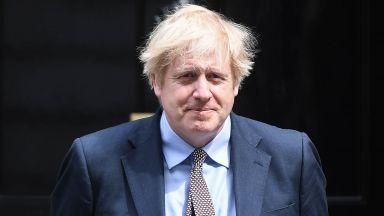 Обвиняват Борис Джонсън, че вини социални домове за жертвите на Covid-19